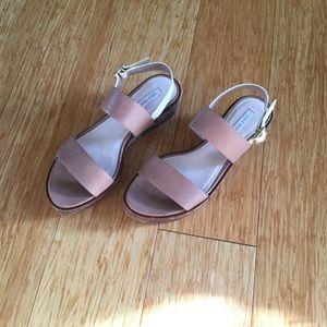 Cole Haan flatform sandal